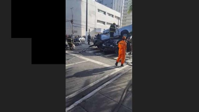 Acidente em avenida de Maceió deixa um morto e dois feridos