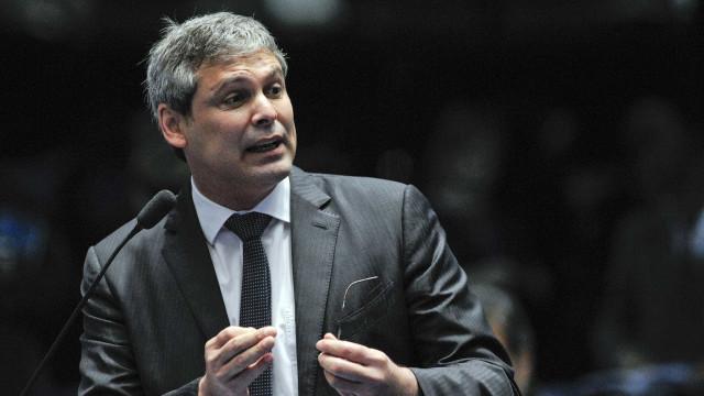 Após discurso de Bolsonaro, Lindbergh Farias pede proteção à PF