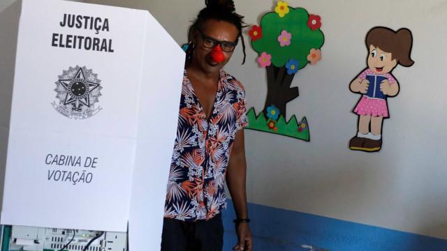 Veja o que pode e não pode neste domingo na hora de votar