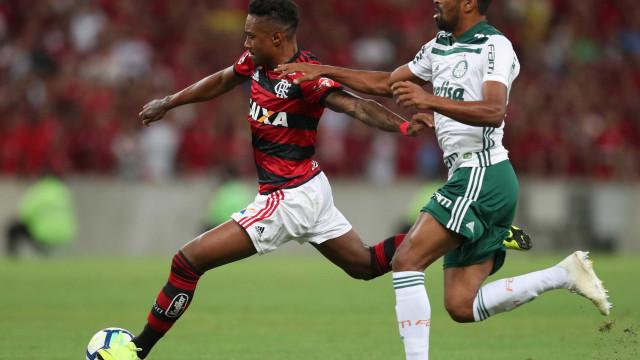 Palmeiras empata com o Fla e mantém vantagem na liderança do Brasileiro