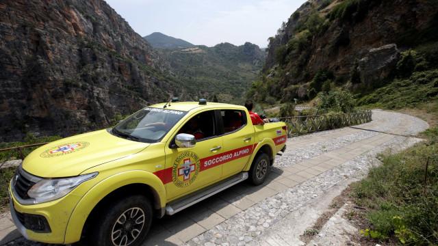 Deslizamento de terra provoca pelo menos quatro mortes na Itália