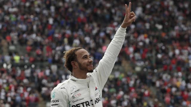 Hamilton chega em 4º lugar, é pentacampeão da F-1 e iguala Fangio