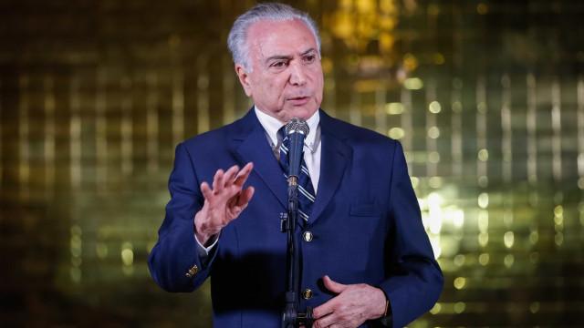 Em transição, Temer oferece Granja do Torto e avião da FAB a Bolsonaro
