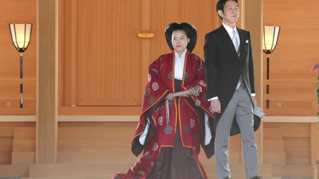 Princesa Ayako, do Japão, se casa com plebeu e perde título