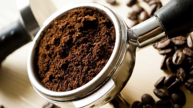 Café pode reduzir sintomas da rosácea e suavizar vermelhidão da pele