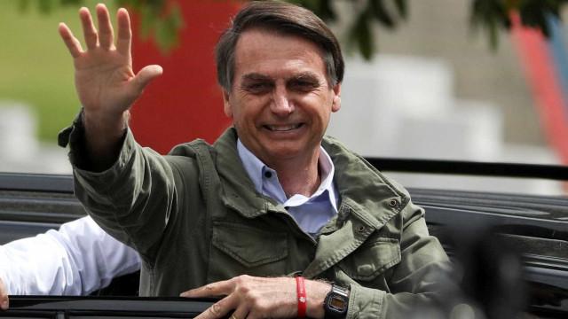 Equipe de Bolsonaro define 24 nomes de sua equipe de transição