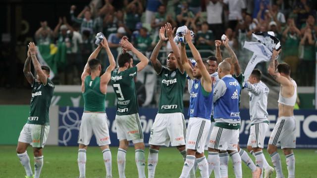 Palmeiras vence Santos e garante vaga na fase inicial da Libertadores