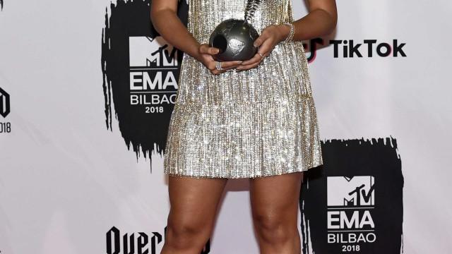 Anitta anuncia EP com música de Pharrell Williams