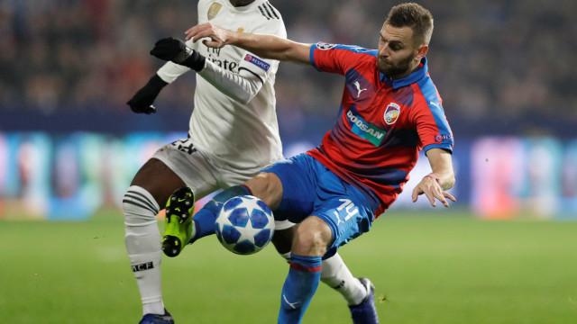 Real Madrid goleia por 5 a 0 em estreia de Vinicius Junior na Champions