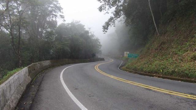SP: quedas de barreiras interditam rodovias de acesso ao litoral norte