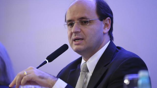 Rossieli Soares evita comentar críticas de Bolsonaro ao Enem