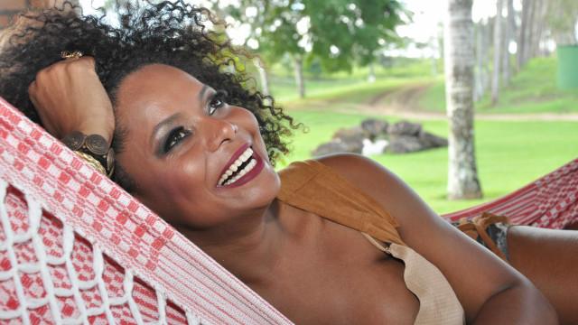 'Não tinha paquita negra, me tornei a única', diz Adriana Bombom