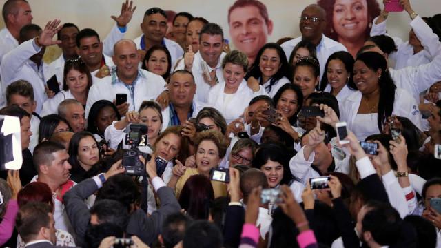 Fim da parceria: médicos cubanos começam a deixar o Brasil no dia 25