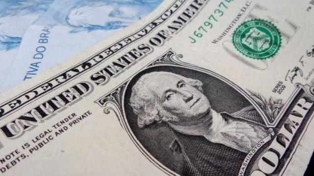 Projeção de câmbio para fim de 2018 cai de R$ 3,71 para R$ 3,70