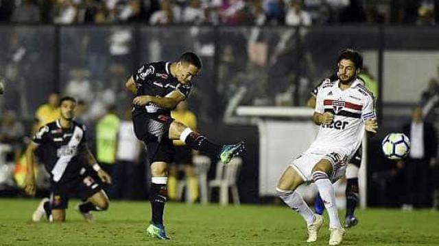 São Paulo cai diante do Vasco e perde chance de voltar ao G-4