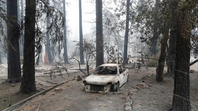 Cai para 249 número de desaparecidos após incêndio na Califórnia