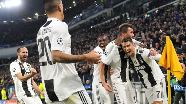 Juve derrota Valencia e garante classificação na Champions