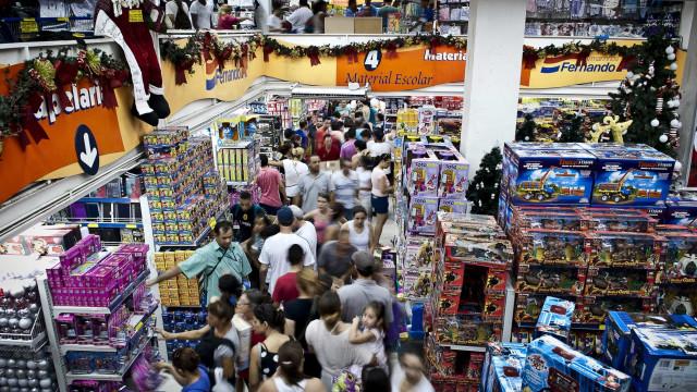 13º salário pode injetar cerca de R$ 211 bilhões na economia