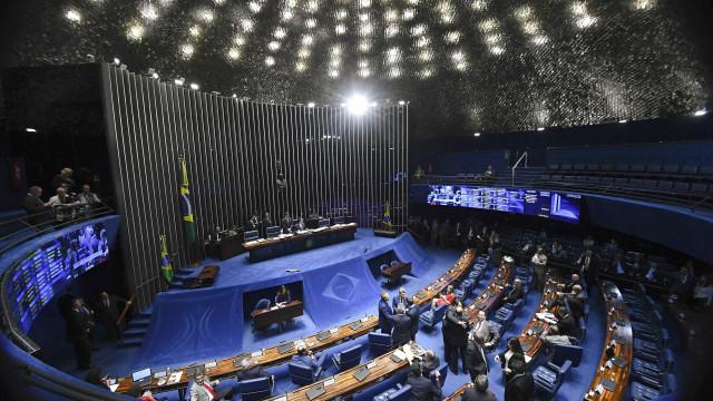 Endurecimento da lei antiterrorismo tem votação adiada no Senado