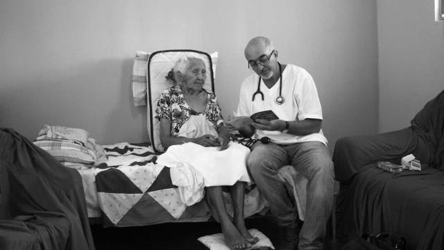 Metade dos brasileiros não fica nem um ano e meio no Mais Médicos