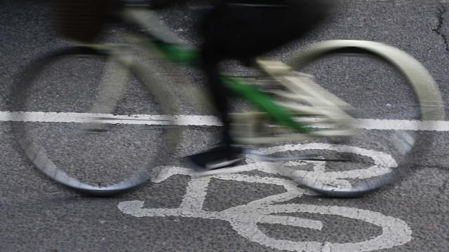 Anchieta é tomada por bicicletas em passeio rumo ao litoral de SP