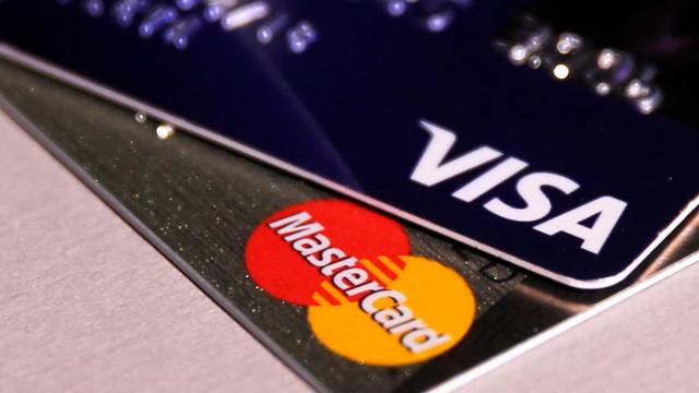 Grupo sugere que banco não controle cadeia das máquinas de cartão