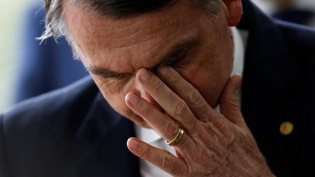 ONGs criticam Bolsonaro e dão 'prêmio' Fóssil do Dia ao Brasil