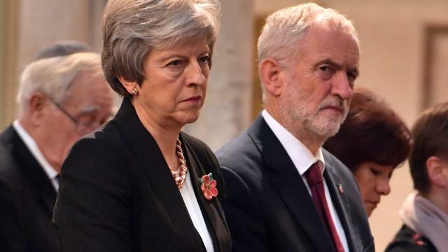 May deve se demitir se 'brexit' for rejeitado, diz líder da oposição