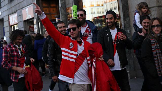 Polícia espanhola deporta torcedor do River Plate 'de alto risco'