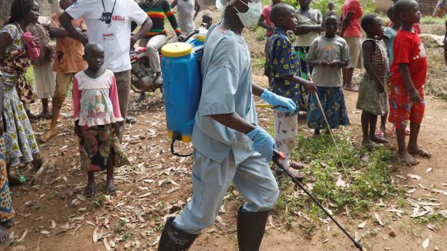 Ebola chega a metrópoles do Congo, que vive o 2º maior surto da doença