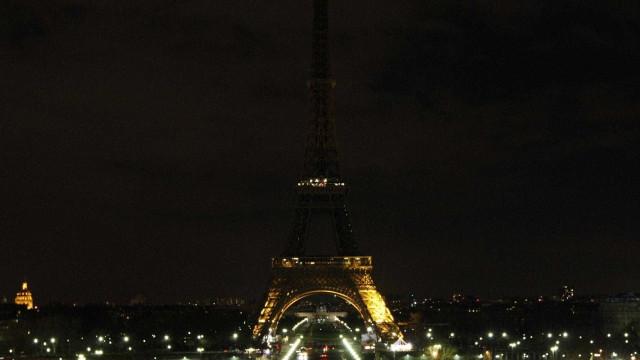Torre Eiffel homenageará vítimas de ataque em Estrasburgo