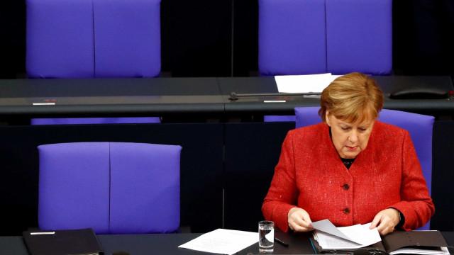 Bolsonaro tornará mais difícil acordo entre UE e Mercosul, diz Merkel