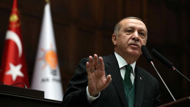 Turquia adia operação na Síria após retirada das tropas dos EUA