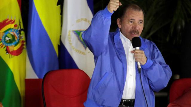 Governo da Nicarágua fecha canal de TV e prende jornalistas