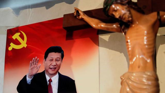Autoridades chinesas fazem operações de repressão ao Natal