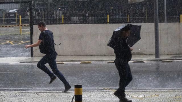 Seca e chuvas deixam municípios de 4 estados em situação de emergência