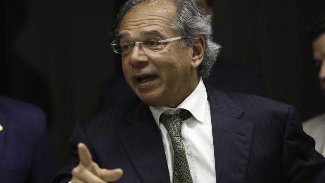 Paulo Guedes cogita desistir de mudar lei do pré-sal