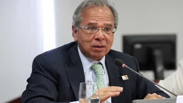 Governo quer economizar R$ 30 mi com cortes no Ministério da Economia