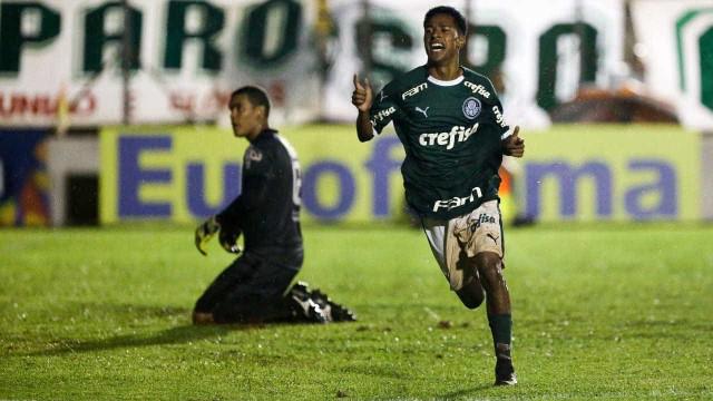 Palmeiras estreia na Copinha com novo uniforme e vitória sobre o Galvez