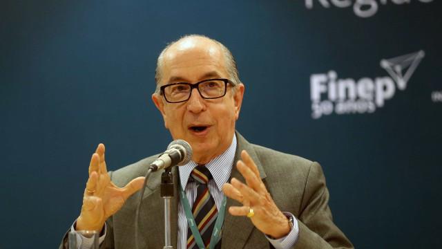Secretário da Receita contraria Bolsonaro e nega aumento de IOF
