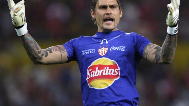 """Ex-goleiro mexicano Omar """"El Gato"""" Ortiz é condenado a 75 anos"""