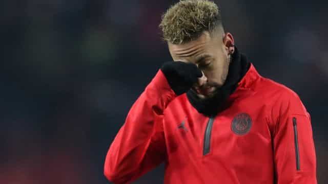 Neymar marca, mas azarão vira e elimina PSG da Copa da Liga Francesa