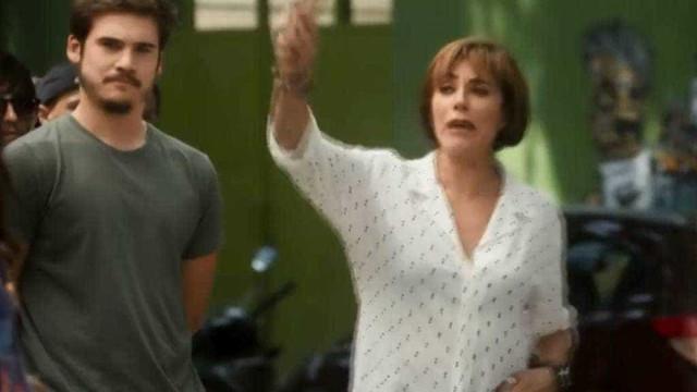 Globo faz referência a slogan anti-Bolsonaro em novela