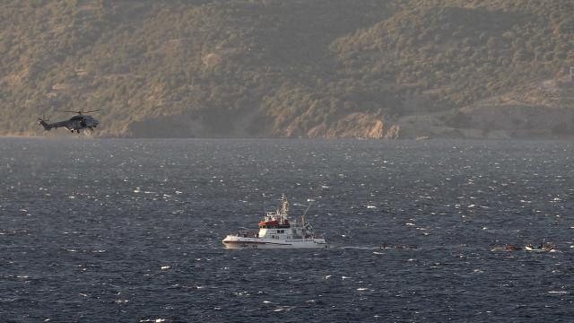 Menina migrante de 4 anos morre em naufrágio no Mar Egeu