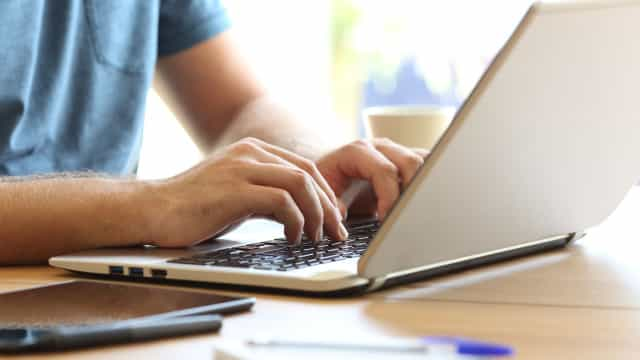 Dicas para evitar golpes com reservas online de viagens