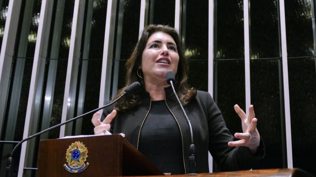 Tebet enfrenta Renan em disputa interna por presidência do Senado