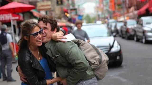Giselle Itiê homenageia o ator e ex-namorado Caio Junqueira