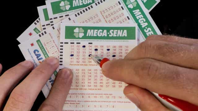 Mega-Sena acumula e prêmio pode chegar a R$ 50 milhões