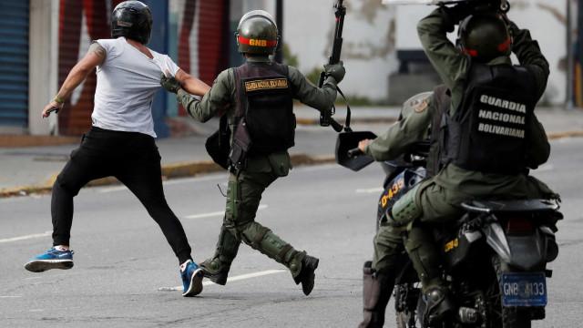 Protestos contra Maduro deixam pelo menos 16 mortos na Venezuela