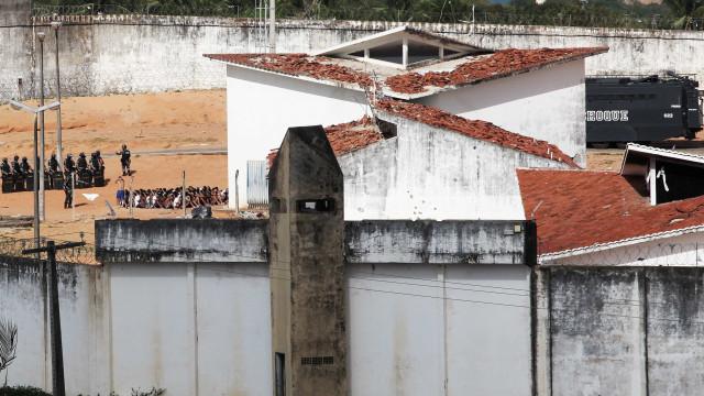 Senado debate superlotação e falta de controle dos presídios no Brasil